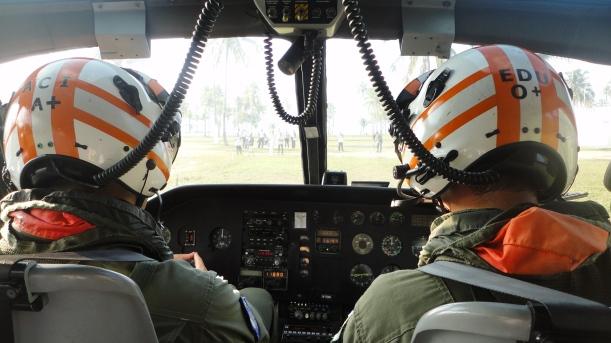 helicoptero-dentro